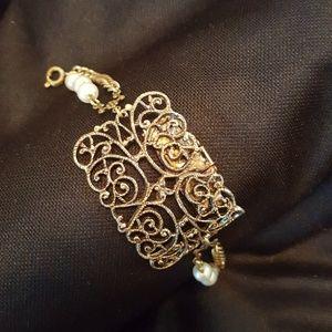 Jewelry - Antique Buckle Bracelet